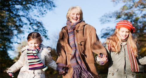 Spaziergang mit Enkeln, PR für Senioren, Doppelherz, Uhlig PR