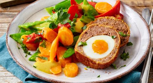 Hack mit Ei und Gemüse