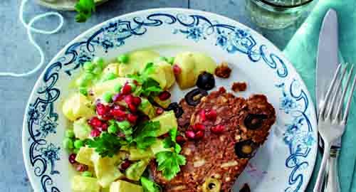 Mandel-Hackbraten mit feinem Kartoffelsalat