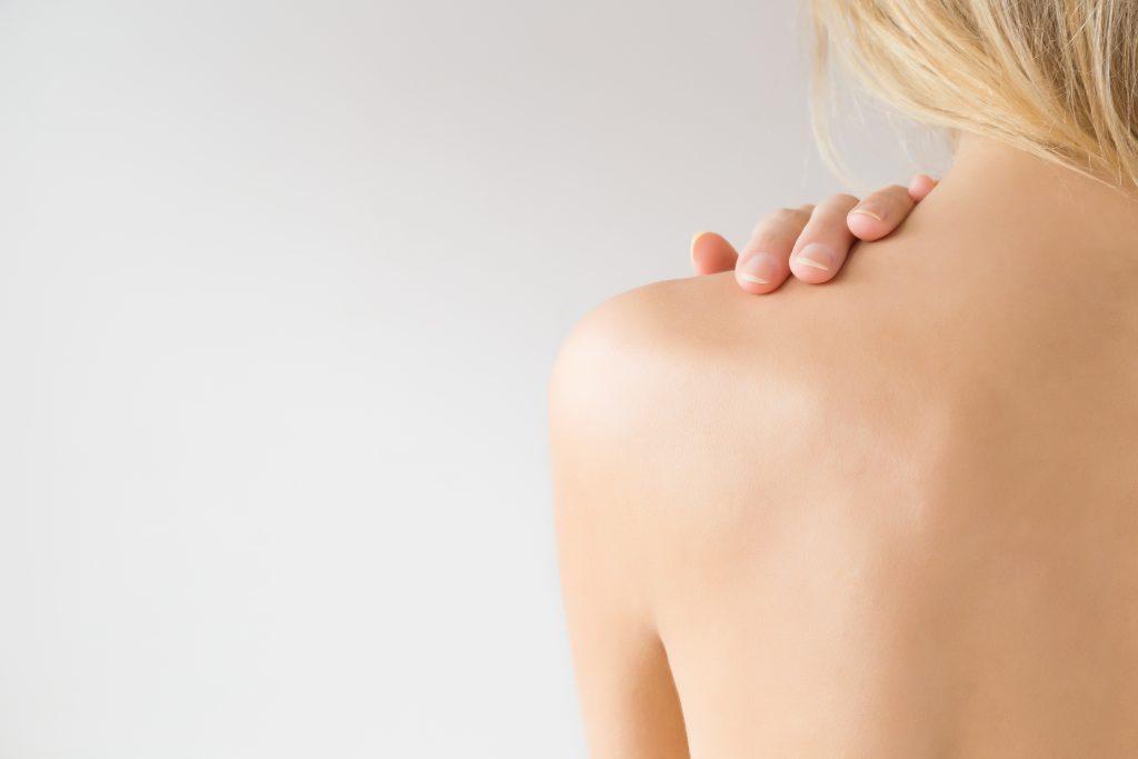 schöner Rücken, Frau mit nacktem Rücken