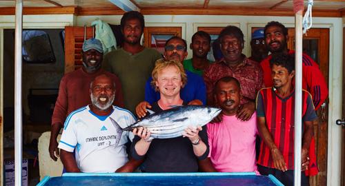 Bart van Olphen mit einem nachhaltigen Thunfisch
